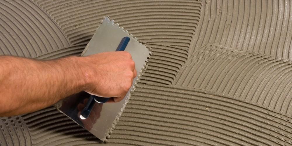 Укладка кварцвиниловой плитки. Клеевое соединение
