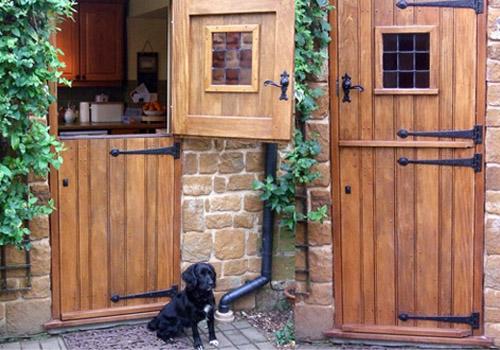Межкомнатные конюшенные двери