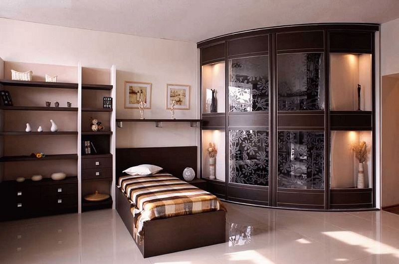 Подходящие габариты шкафа-купе для спальни