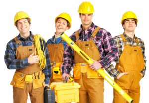 Для проведения ремонтных работ чаще всего нанимают бригаду рабочих