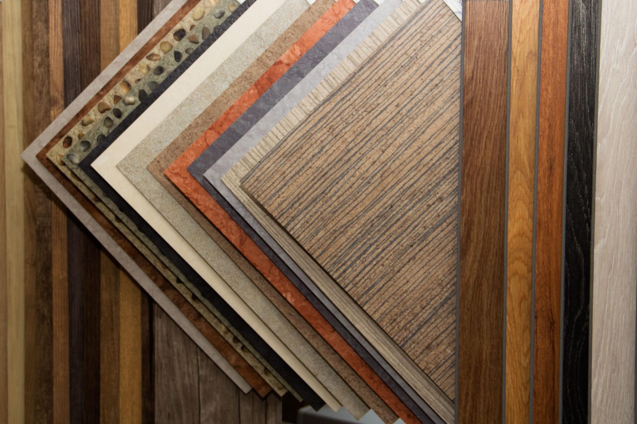 Напольная кварцвиниловая плитка - советы по монтажу