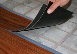 Укладка кварцвиниловой плитки. Замковое соединение